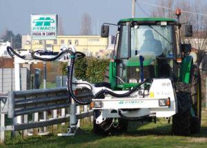 Traktorra szerelhető mulcsozó padkakasza